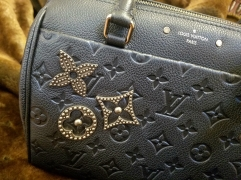 Louis Vuitton Speedy Bandouliere 25 - Embellishement close up
